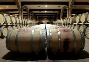Французская винодельня получила телефонный счет на 700 миллионов евро