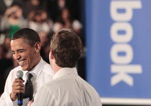 Фотогалерея: Like от Обамы. Президент США встретился с Цукербергом и пообщался с пользователями Facebook