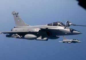 После налета авиации НАТО Триполи сотрясли пять взрывов