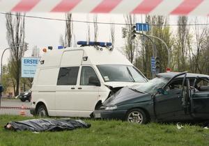 Сегодня: Семья погибшего таксиста подает в суд на организаторов движения кортежа Януковича