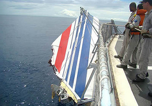 Со дна Атлантики подняли тело одного из пассажиров аэробуса, разбившегося в 2009 году
