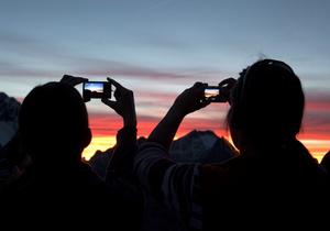 На Я-Корреспондент разыгрывается четыре фотокамеры