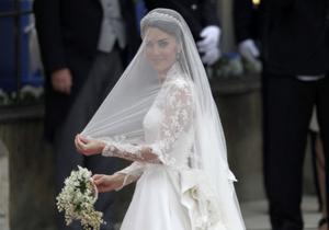СМИ: Киевские невесты ищут копии свадебного платья жены принца Уильяма