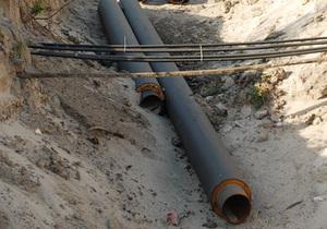 В Киеве на Соломенке провалилось восемь метров асфальта