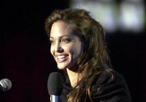 Анджелина Джоли придумала название для своего первого фильма