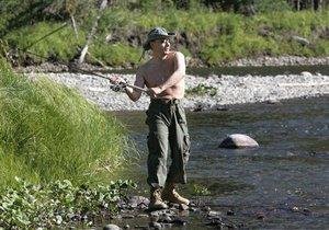 Путин рассказал, почему рыбалку любит больше, чем охоту