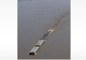 В Миссисипи затонули баржи: движение судов временно перекрыто