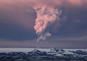 Фотогалерея: И снова здравствуйте. Проснувшийся исландский вулкан вновь угрожает авиасообщению в Европе