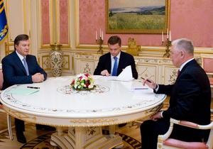 """Янукович дал """"такой шанс"""" новому министру Минздрава"""