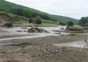 На молдавско-украинской границе проломился мост через протоку Днестра