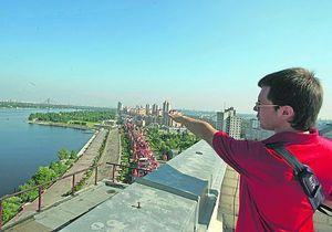 В Киеве туристов выпустят на крышу