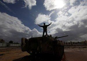 СМИ: Из Триполи бежали более ста армейских офицеров
