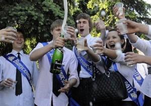 Выпускные в Киеве: каждый класс будут сопровождать по два милиционера