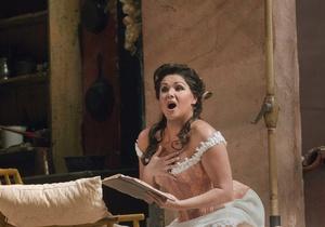 Звезда мировой оперной сцены отказалась от гастролей в Японии