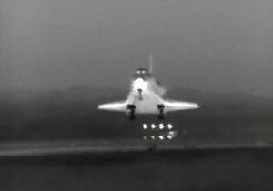 Шаттл Endeavour завершил свой последний полет