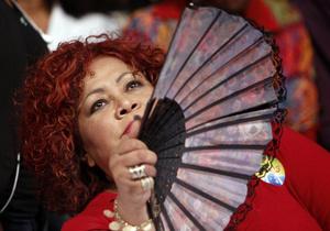 На украинской вечеринке в Венеции выступила бразильская Пугачева