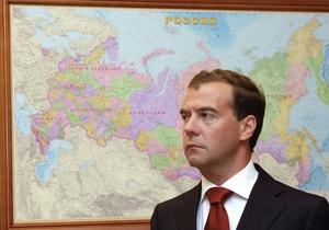 Медведев окончательно отменил в России переход на зимнее время