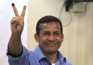 Избранный президент Перу отказался идти по пути Чавеса
