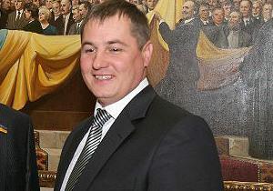Мэр Сарн Ровенской области спас из горящего дома жителя города