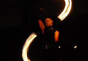 Фотогалерея: Укротители пламени. В Киеве состоялось юбилейное огненное шоу