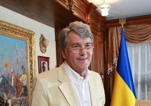 Тарасюк: Ющенко критикует Тимошенко, чтобы бесплатно жить на госдаче