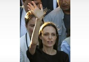 Анджелина Джоли навестила сирийских беженцев