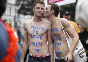 Фотогалерея: Гей-пора. По миру прокатилась волна парадов сексменьшинств