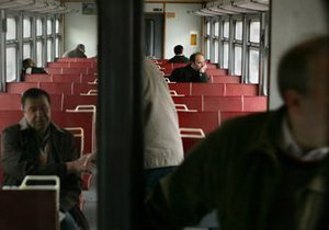 На Закарпатье мужчину посадили на три года за проезд в электричке  по поддельному пенсионному