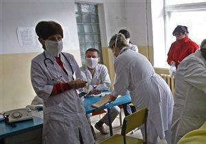 Выпускники медицинских вузов, которые будут работать на селе, получат 5 тыс. грн помощи