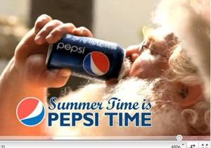 Pepsi замахнулась на главного бренд-персонажа конкурента - Санта Клауса.
