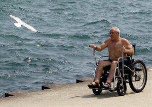 АвтоВАЗ начинает выпуск инвалидных колясок