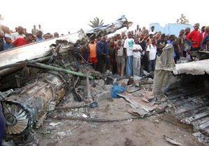 Число жертв авиакатастрофы в Конго выросло до 127