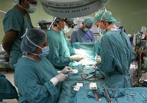 В Испании провели первую в мире операцию по пересадке ног
