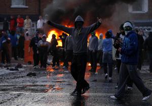 Белфаст пережил крупнейшие за год массовые беспорядки
