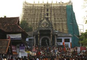 Верховный суд Индии постановил выяснить стоимость найденных в храме несметных сокровищ