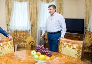 СМИ: У Януковича санузел из полудрагоценного камня за 350 тысяч евро