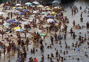 Киевская санстанция закрыла семь городских пляжей