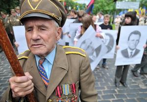 В Батькивщине возмущены решениями судов по русскому языку, Бандере и Шухевичу