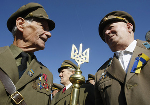 Во Львове призвали отметить День Независимости под лозунгом Бандера, Шухевич - Герои Украины