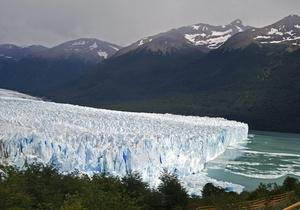 В результате мартовского землетрясения от Антарктиды откололись два айсберга