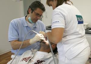 В Украине отменили НДС на стоматологические материалы для пломбирования зубов