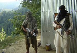 Военный суд Пакистана осудил семерых человек за терроризм