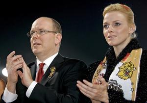 СМИ: Супруга князя Монако запретила мужу видеться с бывшими любовницами
