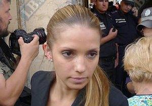 Дочь Юлии Тимошенко просит отпустить маму домой