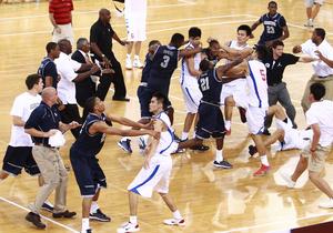Баскетбольный матч, призванный улучшить отношения между США и Китаем, завершился дракой