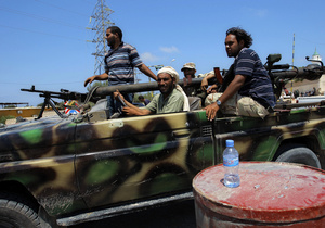 В Триполи возобновились бои между сторонниками и противниками Каддафи