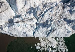 Газпром разработал способ борьбы с айсбергами при помощи кипятка