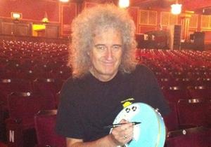 На Корреспондент.net стартовал второй этап on-line аукциона Звезды на продажу. На торгах - гитара группы Queen