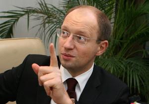 Яценюк посетит СИЗО для проверки условий содержания Тимошенко и других заключенных