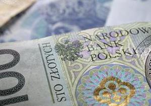 Польша увеличивает минимальную зарплату до 470 долларов